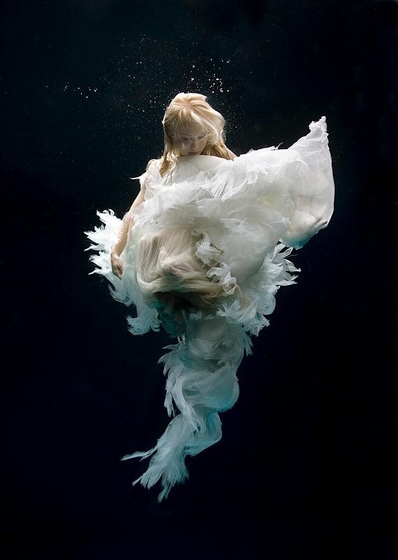 zena-holloway-underwater-beauties-1