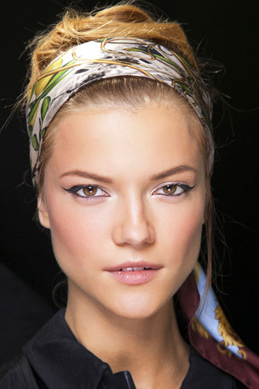 hbz-spring-2013-beauty-how-to-dolce-and-gabbana-de