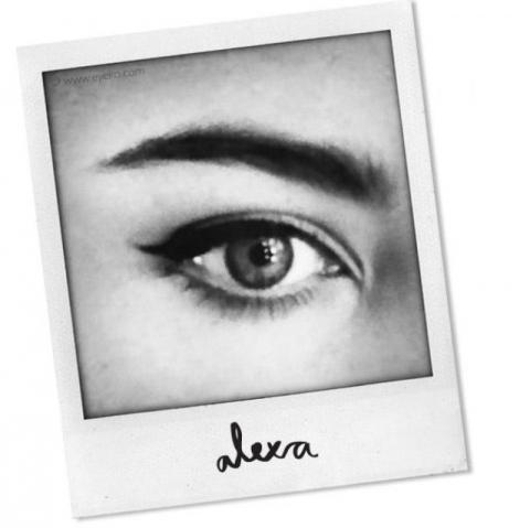 Alexa-Chung-Eyeko