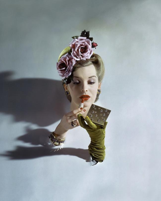 John-Rawlings-American-Vogue-March-1943-©-1943-Condé-Nast