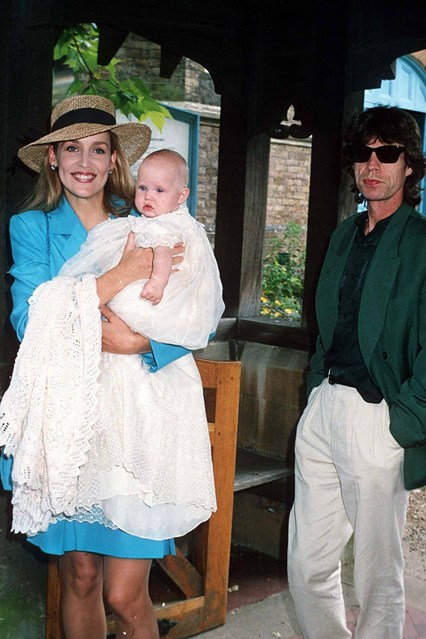 jerry-hall-georgia-may-jagger-mick-jagger-vogue-11dec13-rex_426x639
