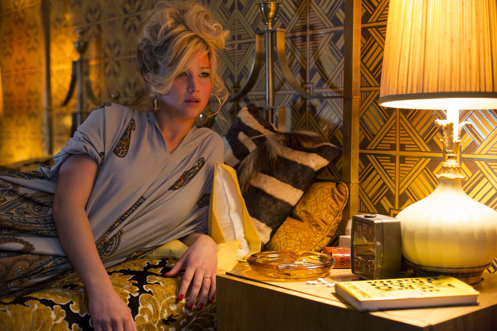 Jennifer-Lawrence_-American-Hustle--02