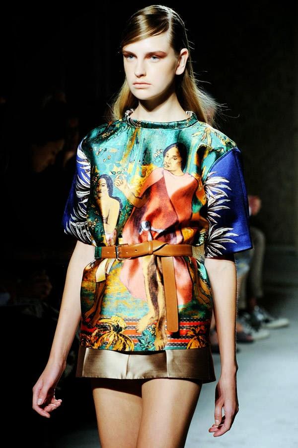 model-wears-creation-Aquilano-Rimondi-womens