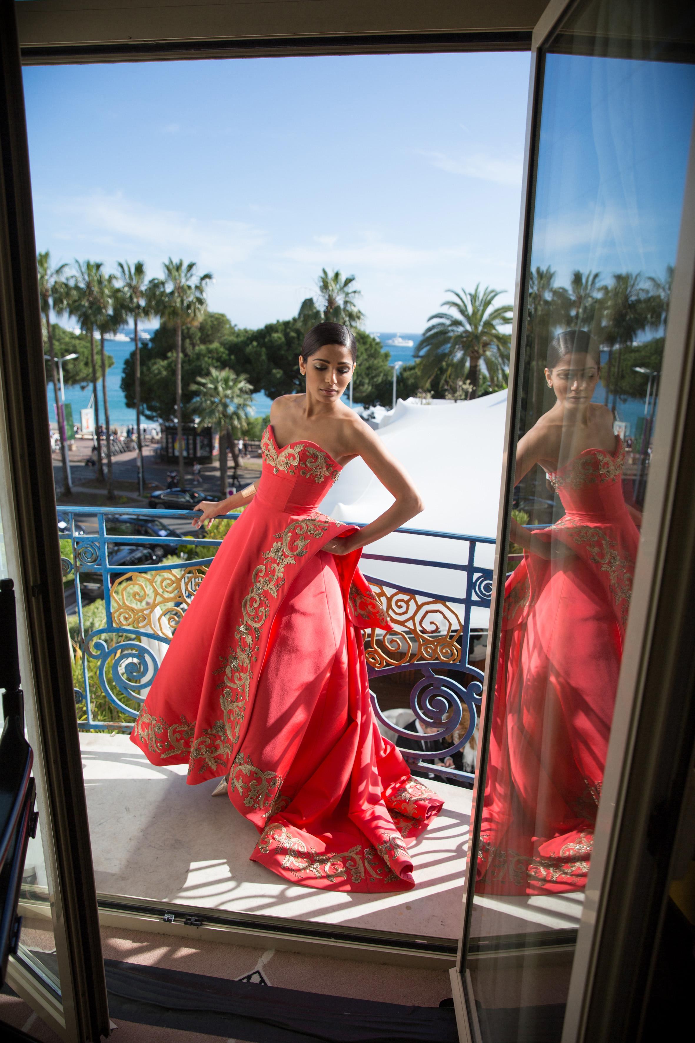 Inside Cannes Pics - Freida Pinto 18-05-14  - 3_picture_original