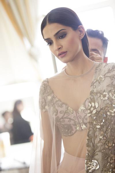 Inside Cannes Pics - Sonam Kapoor 19.05.14 - 6_picture_original