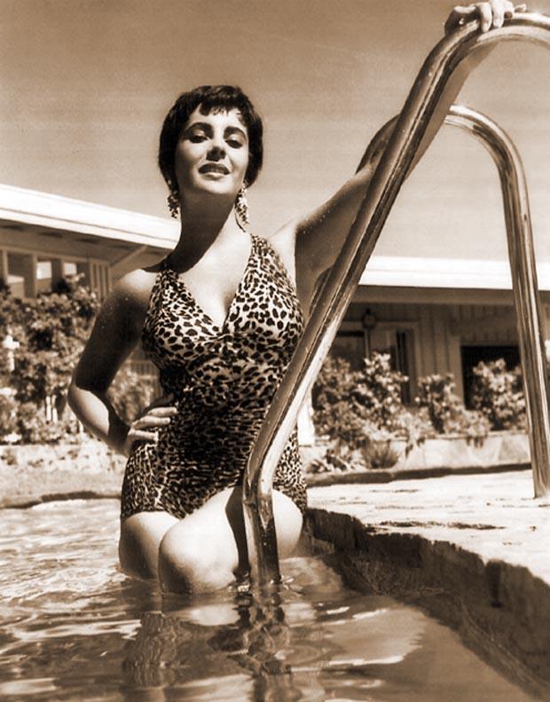 elizabeth-taylor-swimsuit