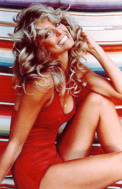 farrah-fawcett-red-swimsuit