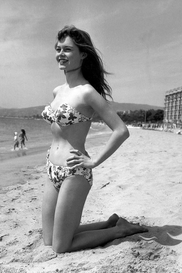 Brigitte-Bardot_glamour_14may13_rex_b_592x888
