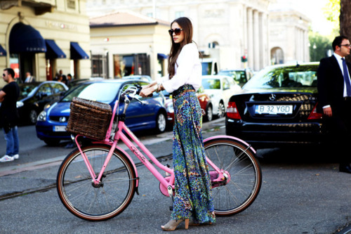 bike-car-fashion-girl-street-Favim.com-334245