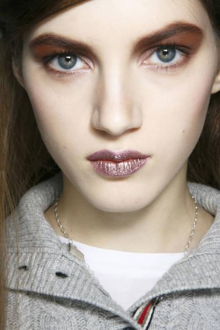 elle-glitter-00-makeup-v-lgn