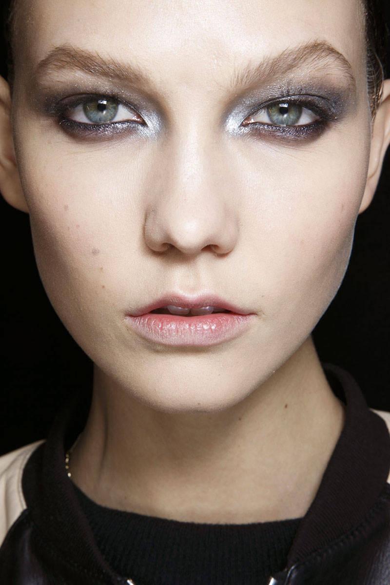 hbz-makeup-trends-fw2014-metallic-touches-02-Donna-Karan-bks-A-RF14-2521-lg