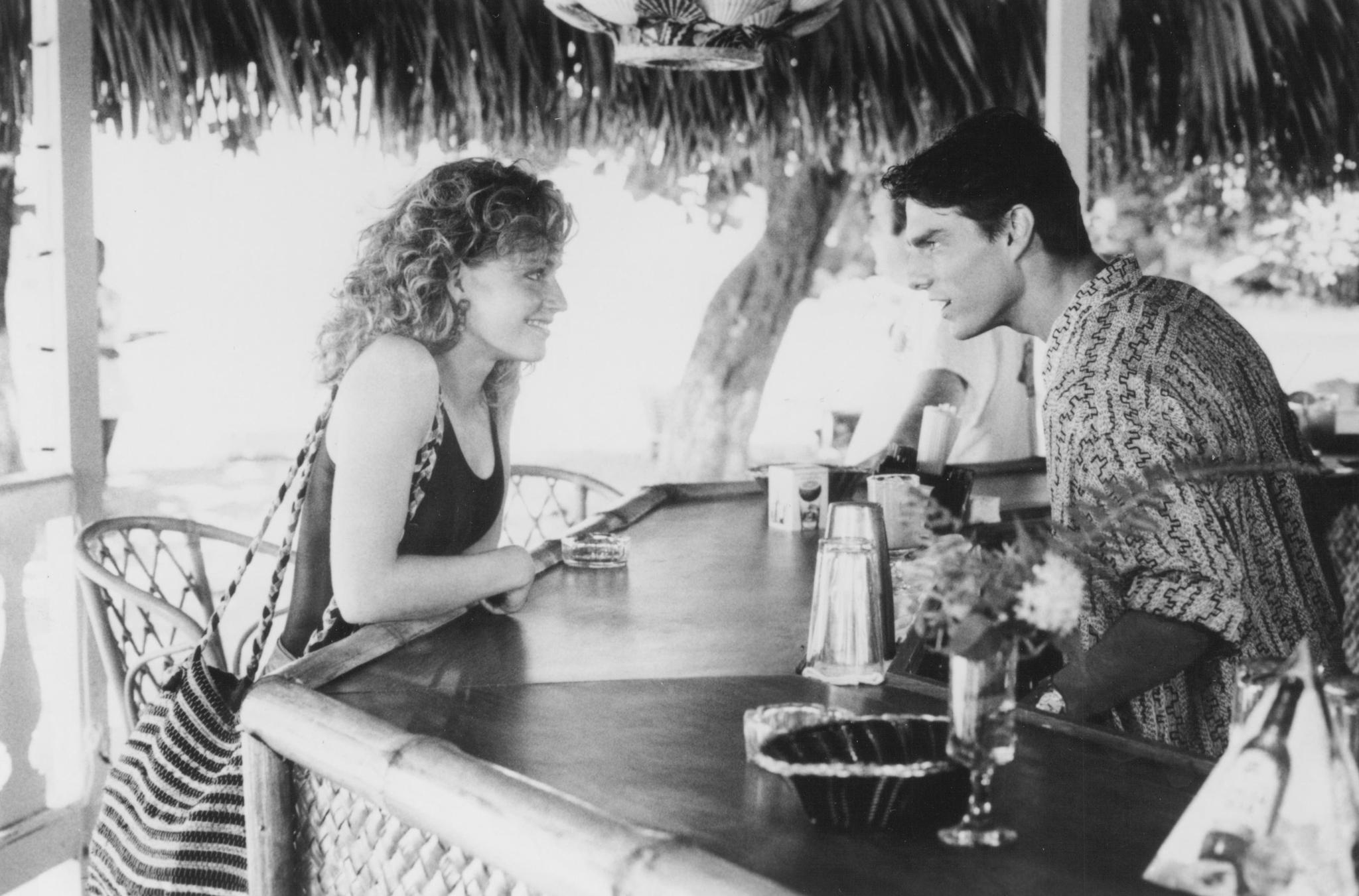 still-of-tom-cruise-and-elisabeth-shue-in-cocktail-(1988)-large-picture