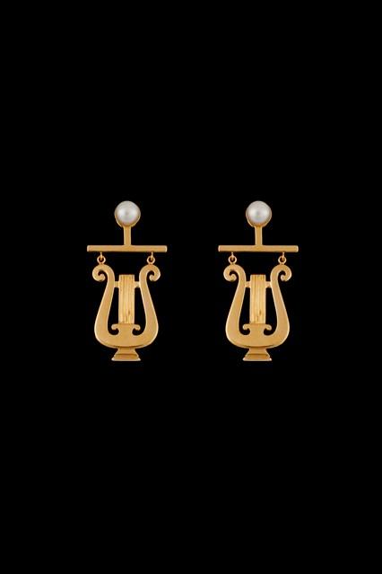 Sophia-Kokosalaki-Jewellery-AW16-20-Delta-Delta-Lyra-Vogue-2Mar16_b_426x639