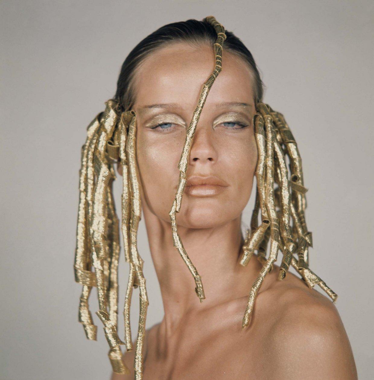 08-beauty-futurism-vogue
