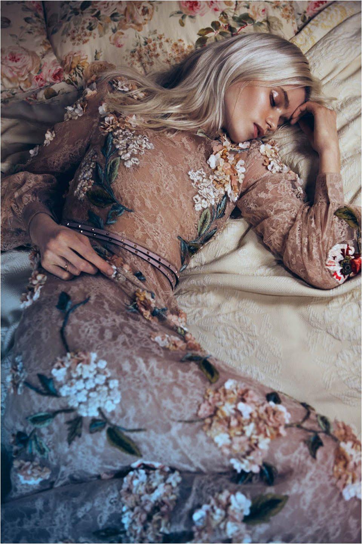 Vogue-China-May-2012-Abbey-Lee-Kershaw-Lachlan-Bailey-Rodarte-Dolce&Gabbana
