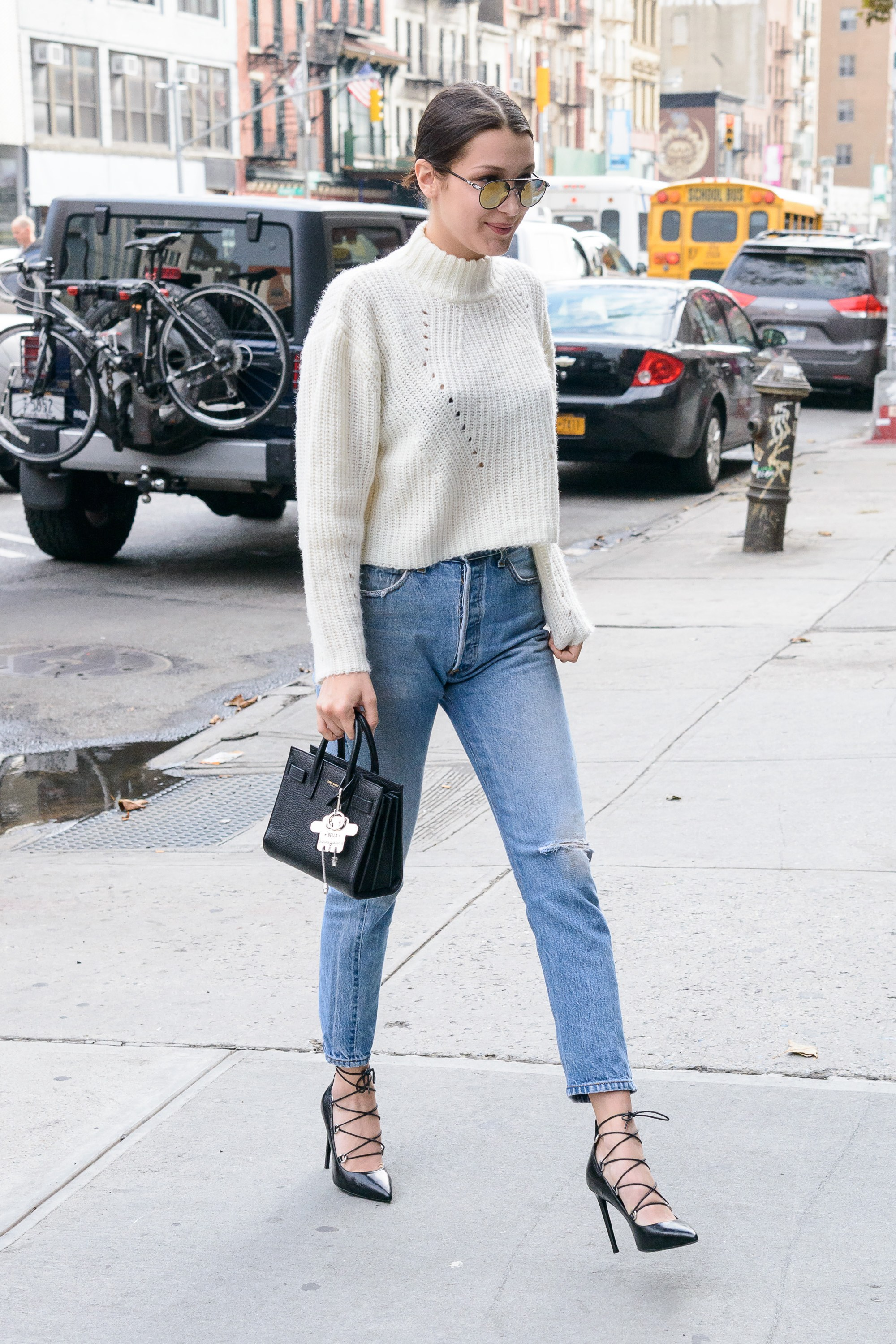 bella-hadid-outfit-01