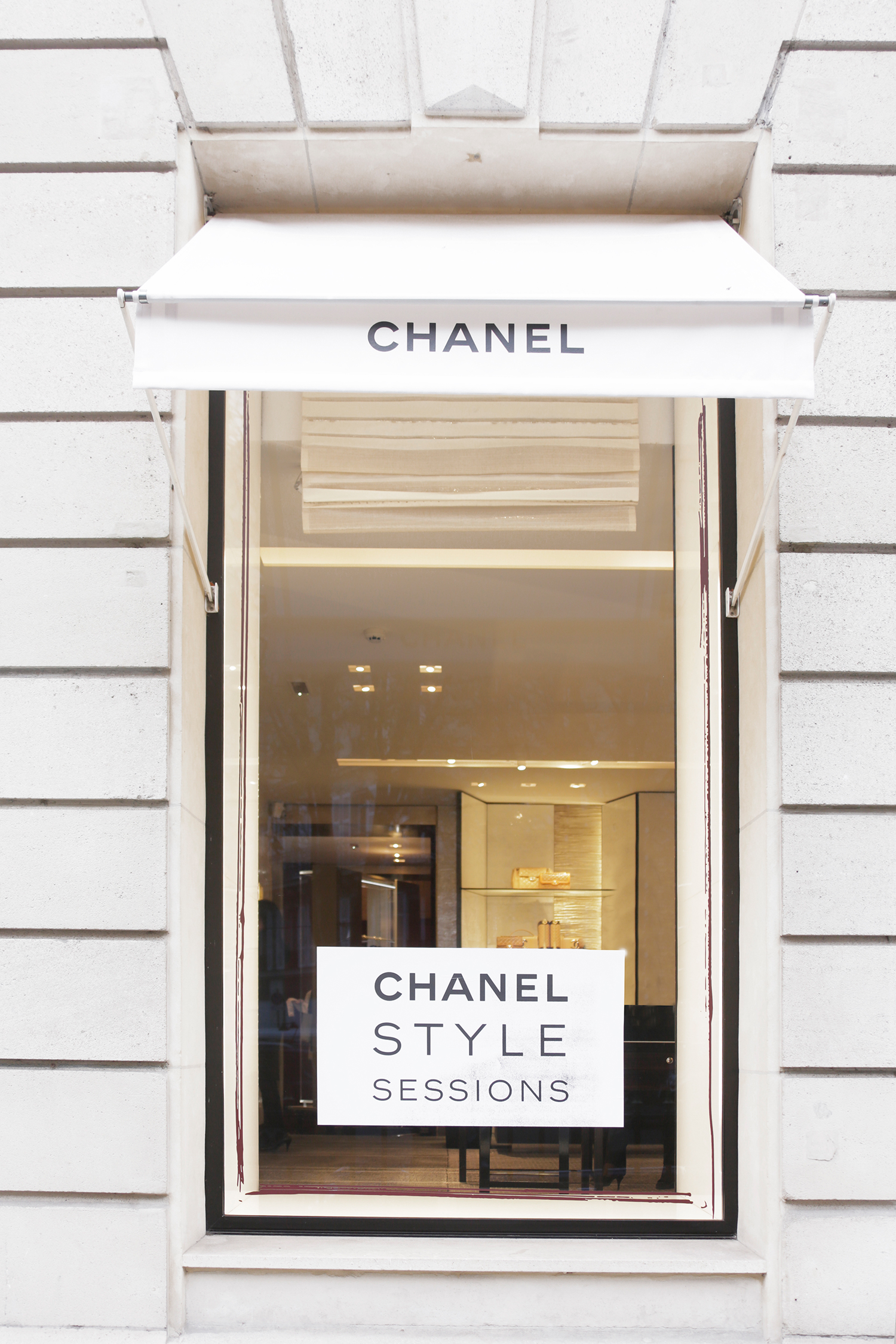 03_CHANEL-STYLE-SESSIONS---51-avenue-Montaigne-boutique_LD
