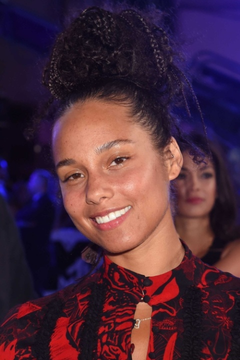 alicia-keys-no-makeup-1479420161